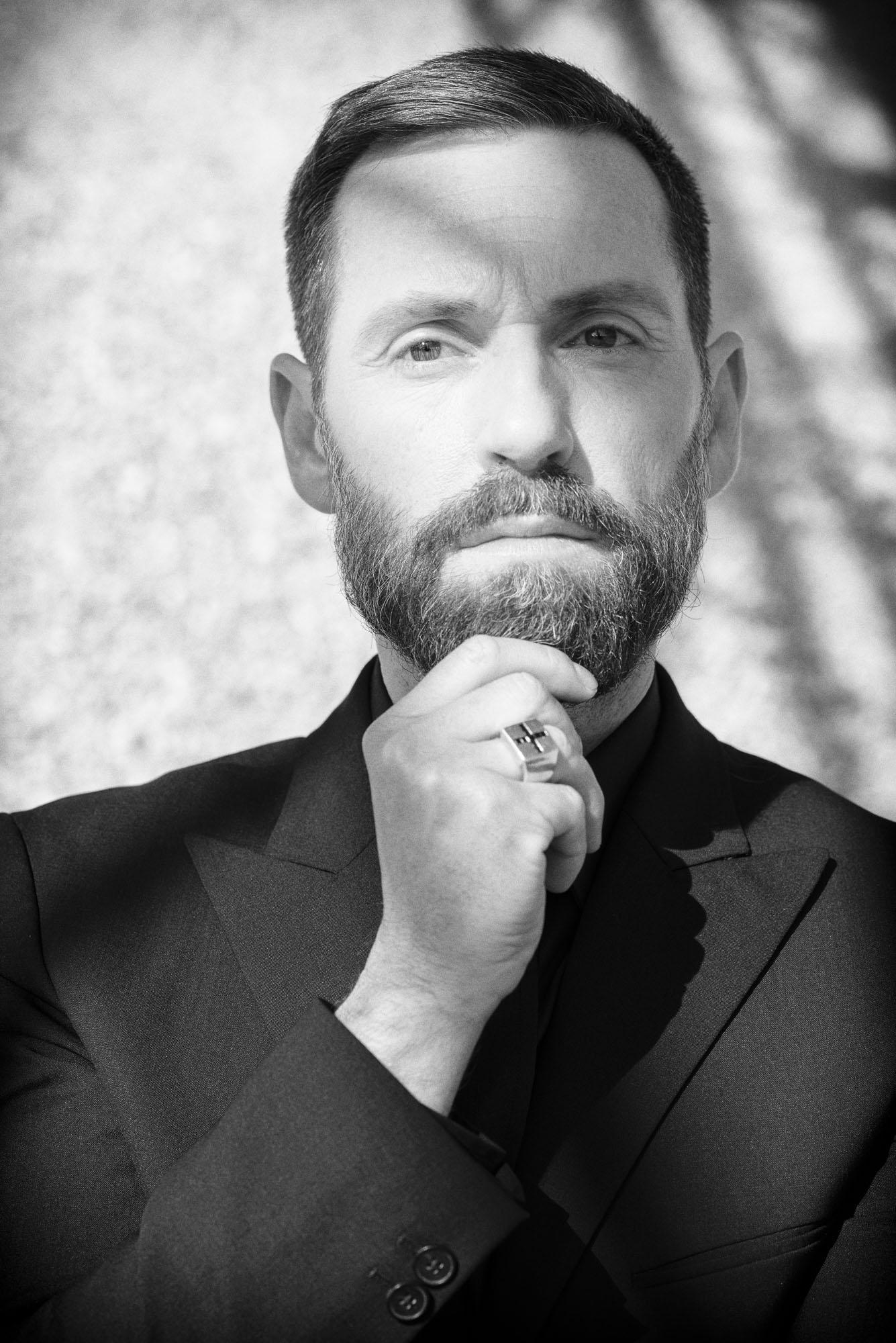 gortana_photo_beard_02